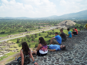 students-on-top-of-the-pyramid-of-the-sun-at-teotihuacan-photo-by-professor-elaine-roth