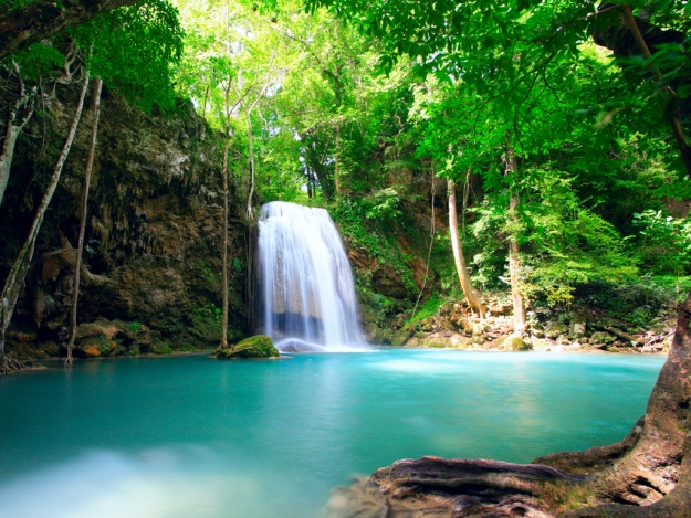 Costa-Rica-–-Waterfall-–-Amazing