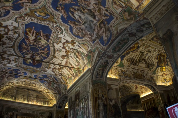 VaticanCeiling2